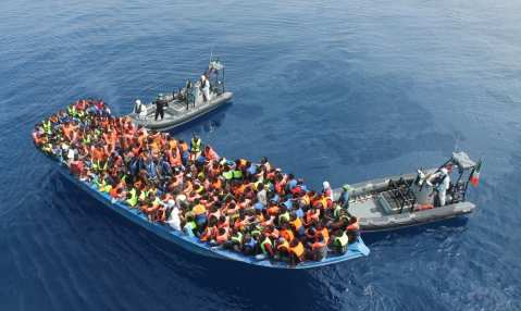 1128047_migrants-en-mediterranee-le-cauchemar-de-leurope-web-tete-021135686936